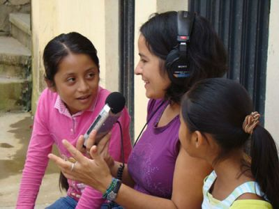 RADIO TRAINING: Community Radio activist Maka Muñoz works with girls at a radio station in a an indigenous village in Oaxaca, Mexico. PHOTO: PALABRA RADIO