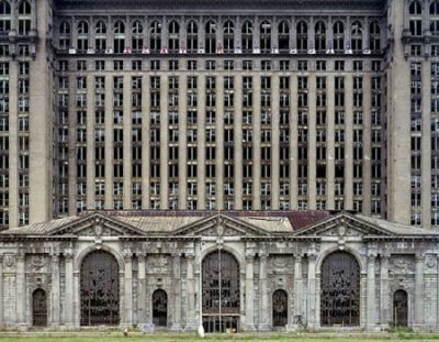 Michigan Central Station. PHOTO: YVES MARCHAND.