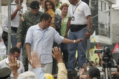 RUPTURES: Ecuadorian President Rafael Correa (center) has high approval ratings, but many indigenous groups have broken with his administration over policies that excluded them from participating in the rewriting of the constitution and economic development.  PHOTO: Flickr.com/Gobierno Municipal de Piñas