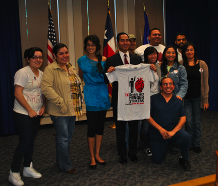 Hunger strikers with Mayor Castro.