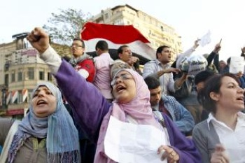 Protesters fill Cairo's Tahrir Square to call for an end to Hosni Mubarak's dictatorship. PHOTO: Newscom
