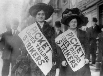 Women picketing during the Bread and Roses strike in Lawrence. PHOTO: SocialistWorker.org