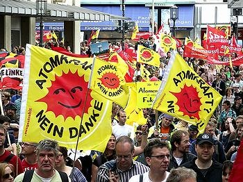 Anti-nuclear protesters march in Bonn, May 28, 2011. PHOTO: Burger Blog Blankenheim