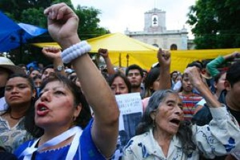 Seventy thousand teachers in the Mexican state of Oaxaca struck, demanding better funding for their students. They oppose a scheme that will reward educators for teaching to the test, too, in the biggest actions since a 2006 rebellion. PHOTO: Edward A. Ornelas/San Antonio Express-News/ZumaPress.