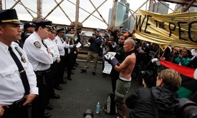 Police square off against protesters on Brooklyn bridge during the Oct. 1 Occupy Wall Street march. (Credit: Jessica Rinaldi/Reuters)