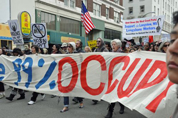 Some 1,500 people marched for the 99 percent in Oakland Nov. 20.  (Photo: Judith Scherr/IPS)