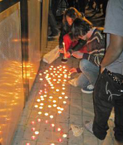 Activists created a memorial for the victim of a shooting near the Occupy Oakland encampment (Photo: Alessandro Tinonga)