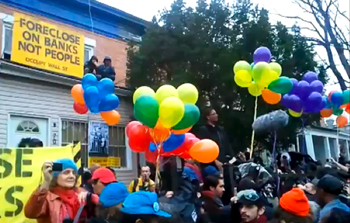 New York City activists liberate the home at 702 Vermont St. (Photo: jt1234542/youtube)