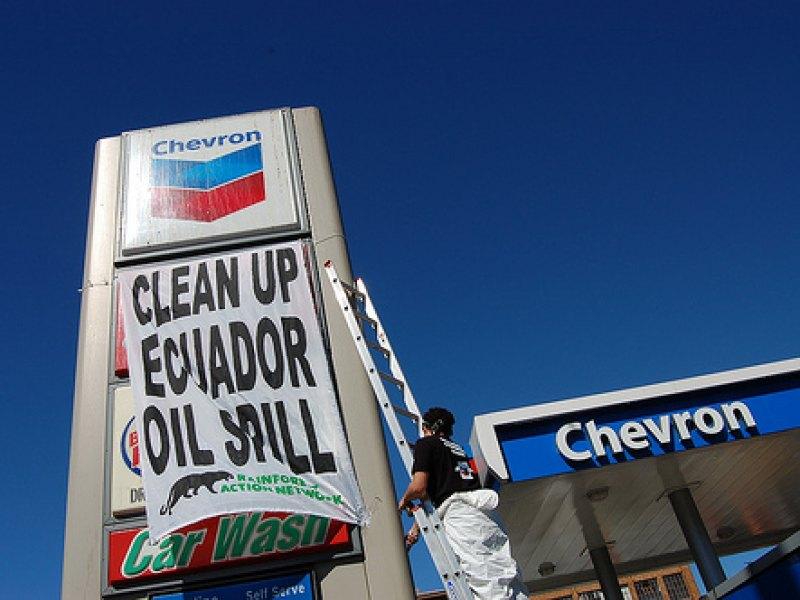 chevron-clean-up-ecuador-oil_0.jpg