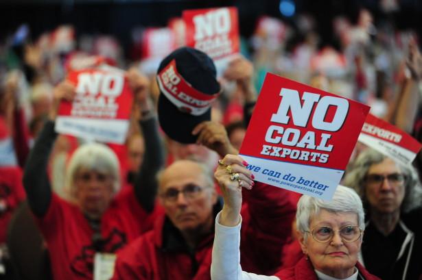 01_15_People_against_coal_exports_fill_Longview_Coal_Export_Hearing-615x409.jpg