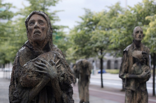 the-potato-famine-memorial-in-dublin-ireland.jpg