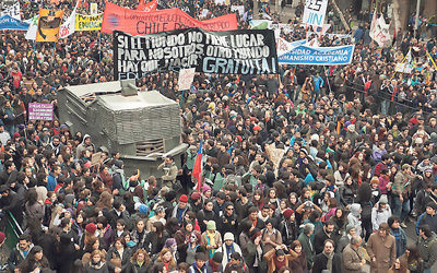 indy 194_Chile_student protest-sizedWEB.jpg