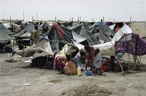 Somali Refugees in Yemen 1992 courtesy UNHCR.jpg